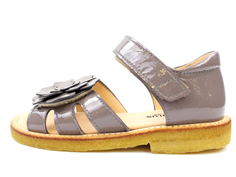 Angulus sandal light gray lacquer with flower