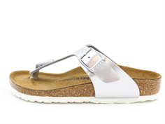 Birkenstock Gizeh sandal Electric metallic silver with a buckle (medium-wide)