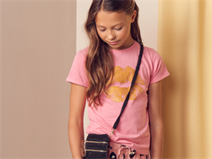 Petit by Sofie Schnoor t-shirt coral pink gold kiss