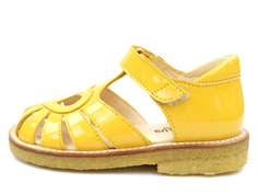 Angulus sandal yellow varnish with heart