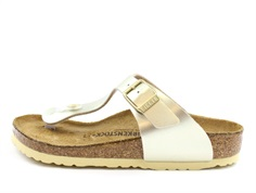 Birkenstock Gizeh sandal electric metallic gold with a buckle (medium-wide)