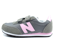 New Balance sneaker gray/pink with velcro
