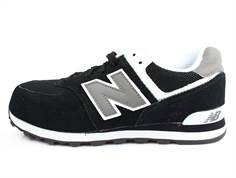 New Balance sneaker black with laces