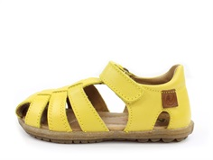 Naturino See sandal giallo with velcro