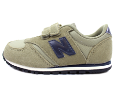 New Balance sneaker green/navy with velcro
