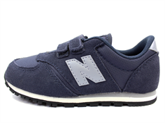New Balance sneaker navy blue/gray with velcro