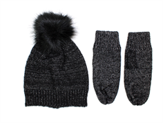 Petit by Sofie Schnoor hat and mittens black silver