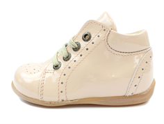 Pom Pom toddler shoe extrusion nude lacquer with laces