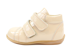 Pom Pom toddler shoe threaten nude lacquer with velcro