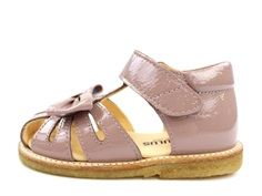 Angulus sandal rose with bow and varnish